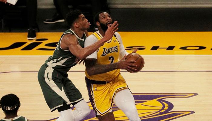 Débuts cauchemars pour Drummond : défaite, poster et blessure ! NBA