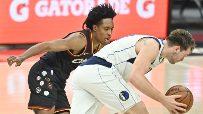 NBA Collin Sexton défend Luka après son geste