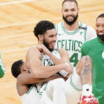 NBA – En feu, Tatum égale l'ultime record de Larry Bird dans un comeback incroyable !