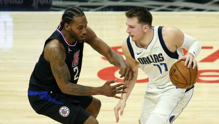 Luka Doncic et Kawhi Leonard pendant Mavs vs Clippers