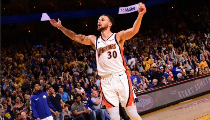 Steph Curry sous le maillot des Warriors