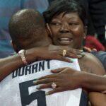 NBA – La mère de Kevin Durant s'emporte contre l'arbitrage face aux Bucks !