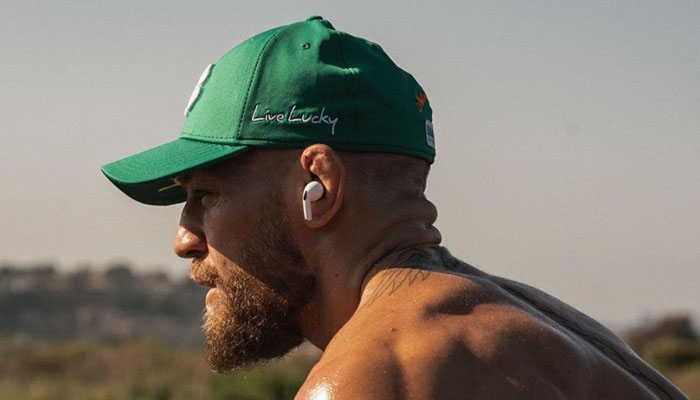 Conor McGregor dévoile son physique sauvage avant le combat contre Dustin Poirier