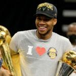 NBA – Giannis sort son meilleur one man show en conférence de presse