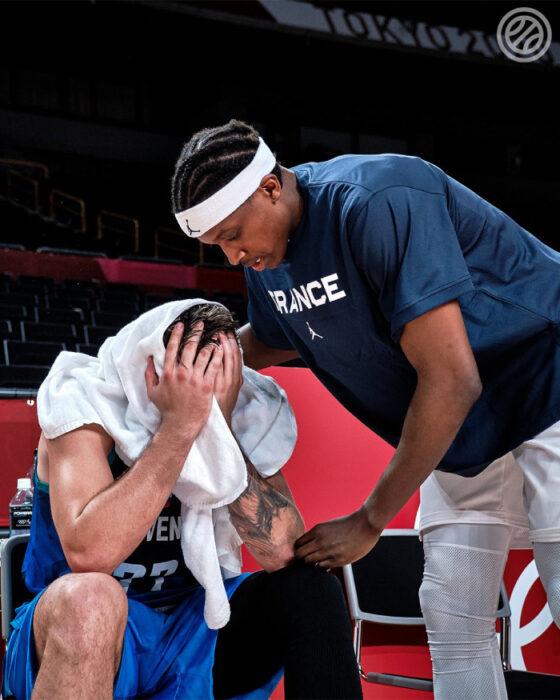 NBA Frank Ntilikina auprès de Luka Doncic
