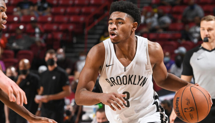 NBA Cam Thomas sous le maillot de Brooklyn