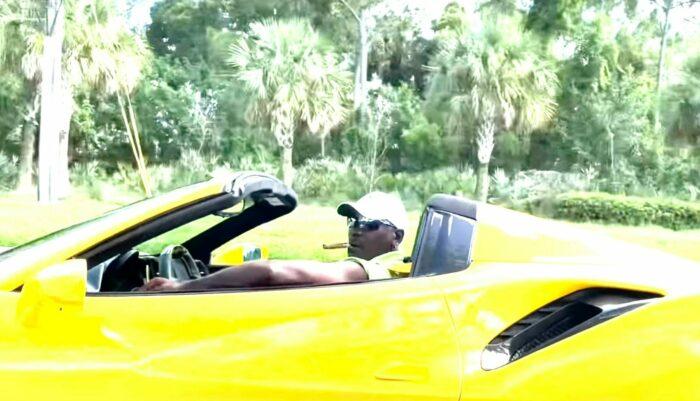 Michael Jordan au volant de sa Ferrari