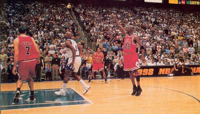 "Michael Jordan inscrit ""The Shot"" sur Bryon Russell"