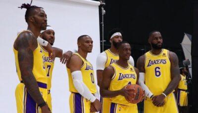 Les joueurs NBA des Los Angeles Lakers, Dwight Howard, Carmelo Anthony, Russell Westbrook, Rajon Rondo, Anthony Davis et LeBron James lors d'un shooting photo effectué à l'occasion du Media Day 2021-22