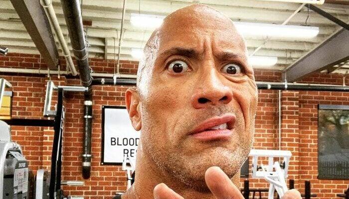 """Dwyane """"The Rock"""" Johnson surpris de ce qu'il voit"""