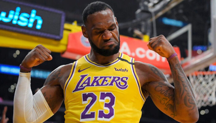 NBA LeBron transformé physiquement ?