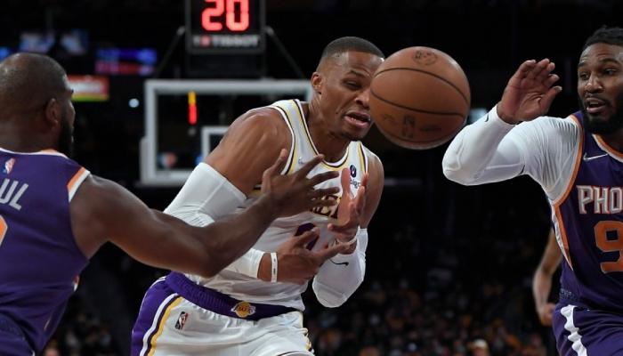 Russell Westbrook a encore perdu beaucoup de ballon face aux Suns
