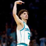 NBA – Du jamais vu dans toute l'histoire pour LaMelo Ball, en feu !